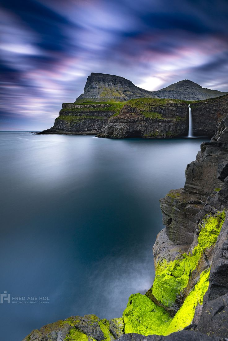 Gæsa.. - It was our first day on the Faroe Islands, and we had already spent a few hours on them visiting Gåsadalur.