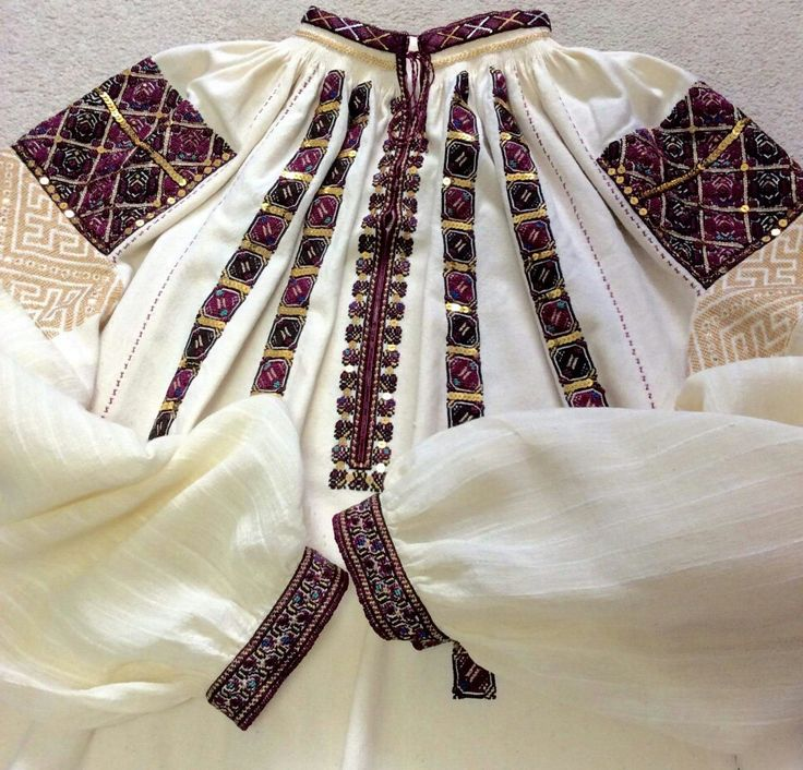 Romanian blouse - Vlasca, Teleorman. Hand made and embroidered by Caro Birzaianu. #semnecusute