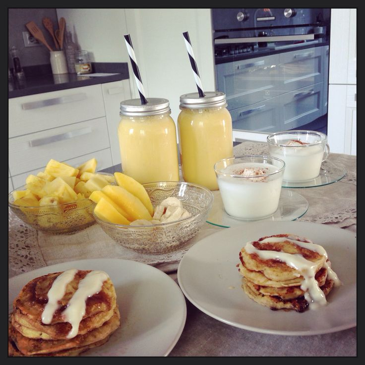 Breakfast, cinnamon roll pancakes