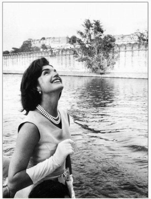#jackie #kennedy #jackieo such timeless beauty in black & white