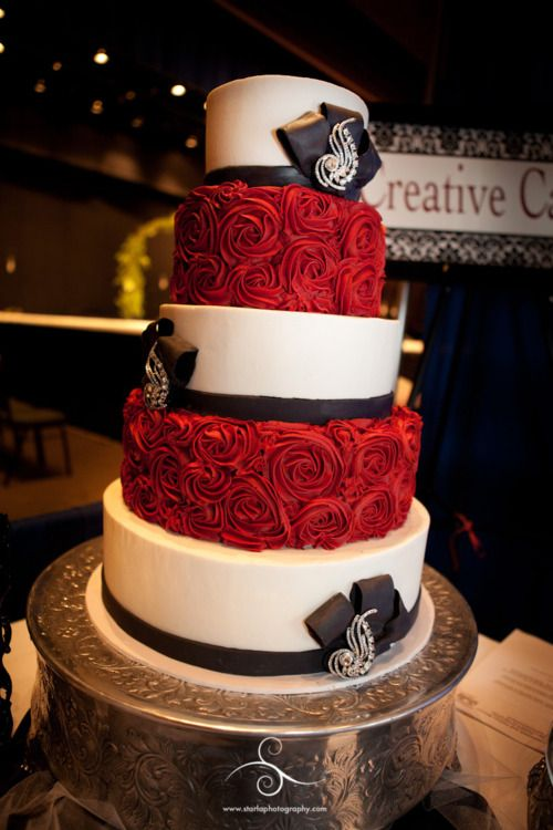 Large Tip Rosettes With Ivory Tiers In Between With Black