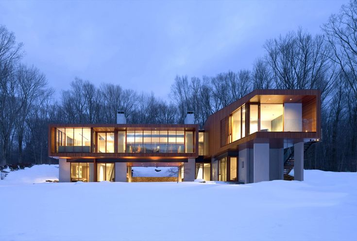 Dusky blue in the snow wood houses tend to look great all the time and this one is no different. Bridge House by Joeb Moore + Partners is great as design an photography reference. I really like the blue / orange contrast and bare trees as background… makes a nice environment to showcase a house