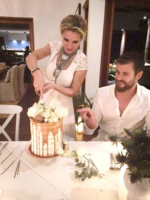 Pin By Yan Ghazarosian On Chris In 2019 Chris Hemsworth Kids Chris Hemsworth Wife Chris