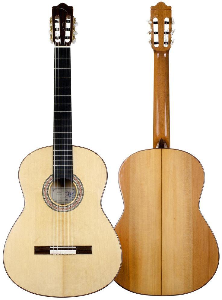 #Flamenco #Guitar 243 model in #Cypress, handcrafted by Javier Castaño, spanish luthier form Aranjuez, Madrid. Buy online in El Flamenco Vive