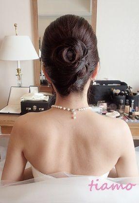 「 ティアラアップから華やかダウンスタイルへ大変身の花嫁さま♡ 」の画像|大人可愛いブライダルヘアメイク『tiamo』の結婚カタログ|Ameba (アメーバ)