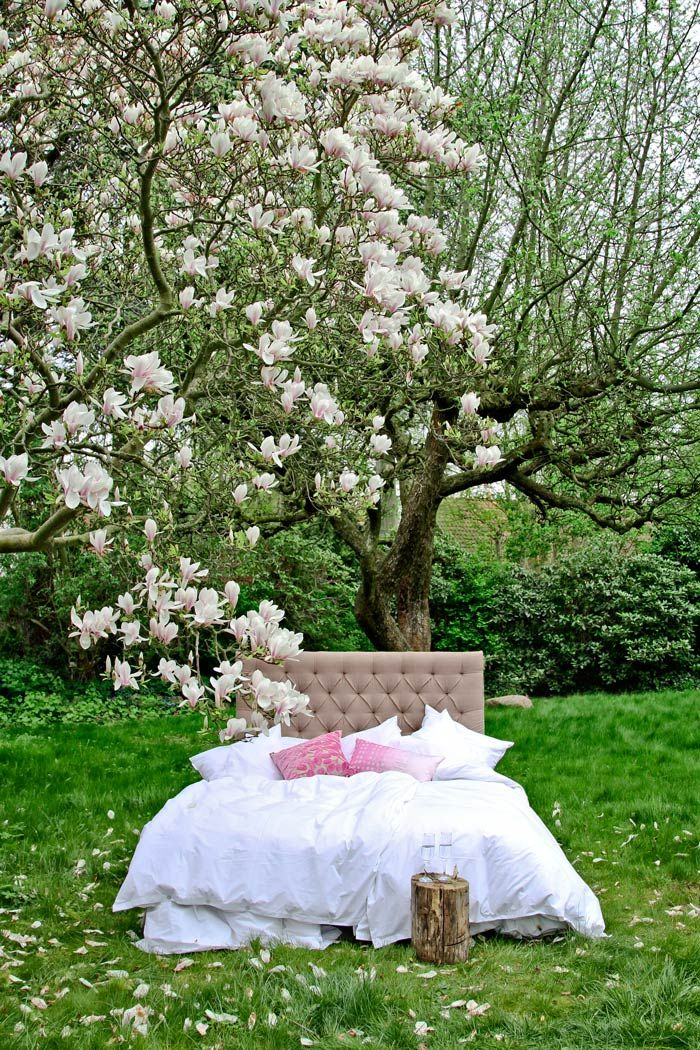 Natural linen upholsteret headboard - Add a little luxury from MOLLYSHOME.COM