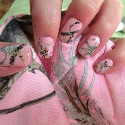 pink mossy oak nails ((:
