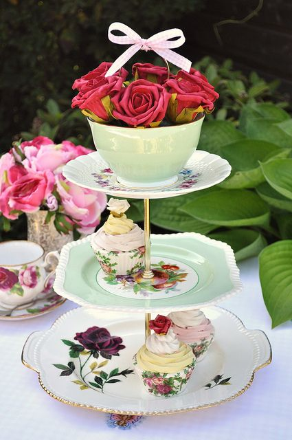 3 tiered cake stand | Quirky Mixed China 3 Tier Cake Stand | Flickr - Photo Sharing!
