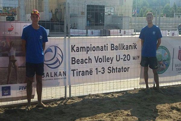 drapetsonavolley: Στα ημιτελικά του Βαλκανικού (Κ20) οι Κανέλλος / Ι...