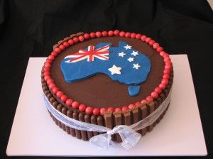 Another yummy looking Australia day cake. liking the bikkies around the outside.