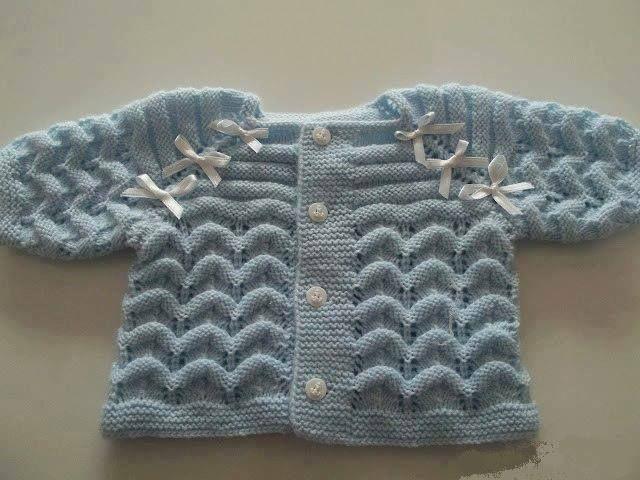 Mavi örgü bebek hırka