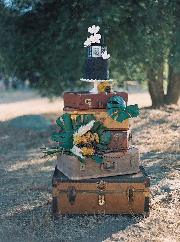 TAYLOR SWIFT WILDEST DREAMS WEDDING INSPIRATION | Unique wedding ideas and decor inspired by Taylor Swift's Wildest Dream's video. #wedding #weddingideas #weddinginspiration