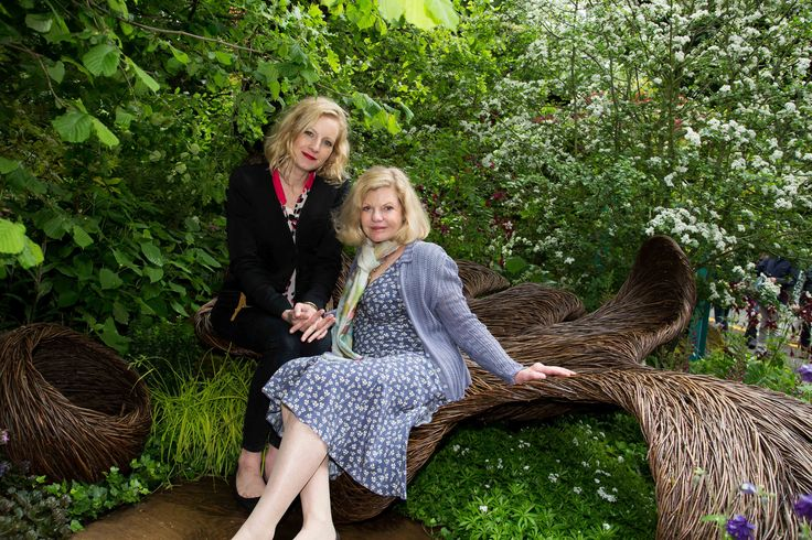 Savannah and Jo Miller visit #BreastCancerHavenGarden