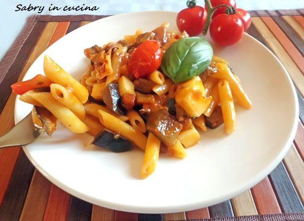 Pasta melanzane e scamorza filante, primo piatto, ricetta facile, ricetta Sabry in cucina blog