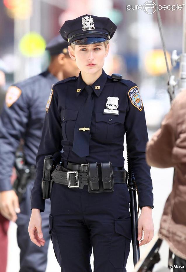 модели в полицейской форме военный фото вот