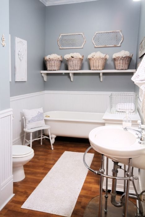 i would love to see the house that goes with this wonderful bathroom.