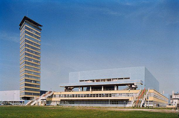 J.J.P. Oud en Hans Oud, Nederlands Congresgebouw, Den Haag 1956-1969