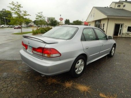 Used-cars-for-sale-in-Minneapolis | 2002 Honda Accord EX V-6 | http://minneapoliscarsforsale.com/dealership-car/2002-honda-accord-ex-v-6
