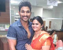sarrainodu actress vidyullekha lost passport and cash