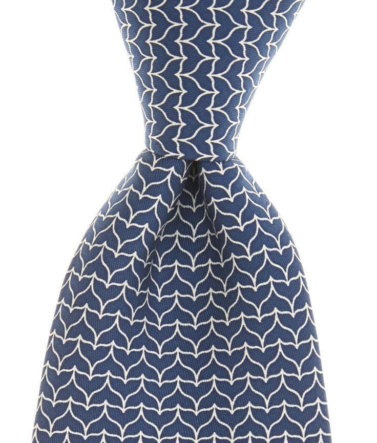 Shop Silk Ties this Holiday: Great Gifts- Mens Bow Ties and Neckties - Vineyard Vines