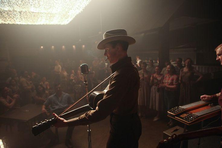 "Tom Hiddleston and Elizabeth Olsen in International Trailer for ""I Saw the Light"" / アメリカのカントリーシンガーHank Williamsの生涯を描いた映画「I Saw the Light」の予告編が公開された。"