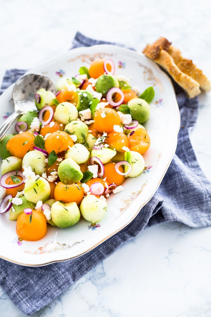 melon salad with avocado, cucumber and feta cheese - insalata di melone, avocado e cetrioli - insalata estiva - summer salad