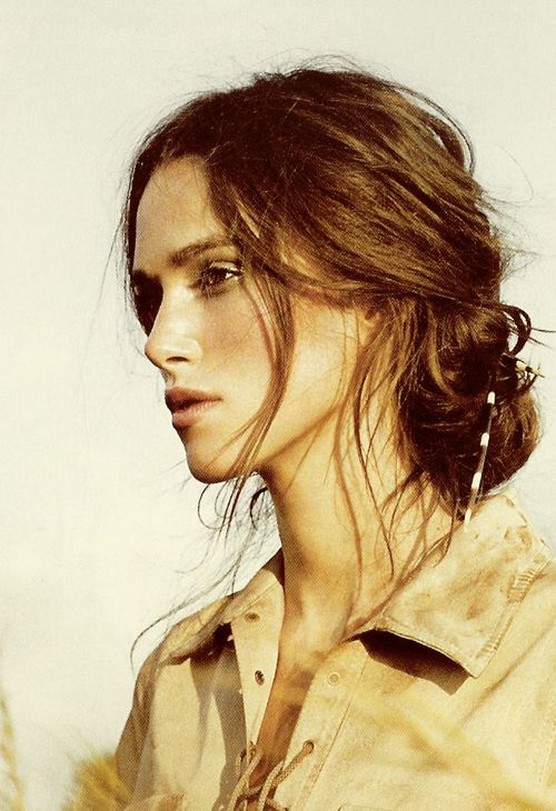 The perfect messy bun! I wish my hair would work well in this style...the color too! I just love Keira Knightley...