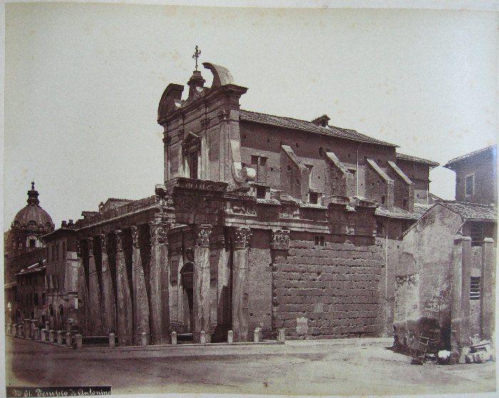 Tempio di Antonino ante 1875
