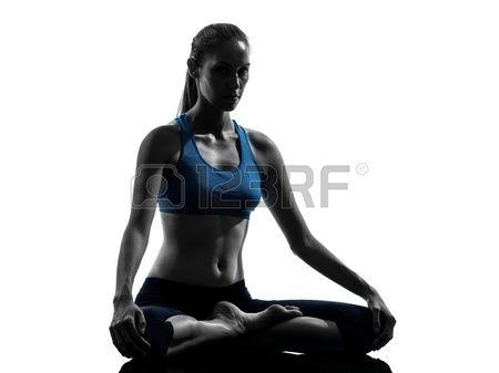 Een Blanke Vrouw Uitoefenen Yoga Mediteren In Silhouet Studio Geà ¯ Soleerd Op Witte Achtergrond Royalty-Vrije Foto, Plaatjes, Beelden En Stock Fotografie. Image 16391802.