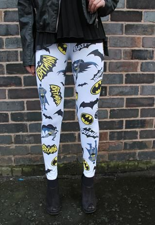 Batman Leggings However no, they are not suppose to be a substitute for pants, lady... ---   http://tipsalud.com   -----