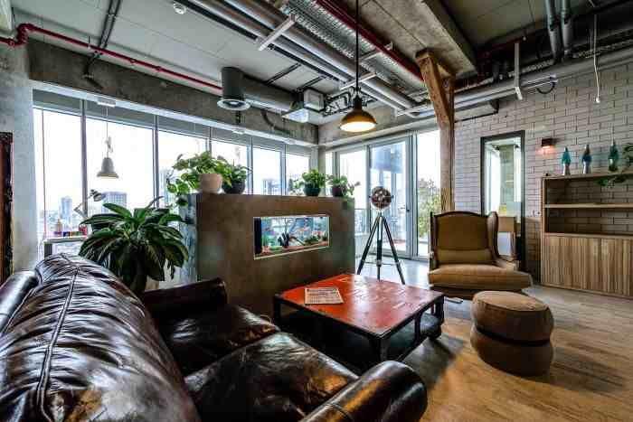 """""""Εργασία και χαρά στη.. Google!""""  Πώς θα σας φαινόταν ένας χώρος εργασίας, όπου θα θύμιζε τοπίο από εξοχή, χώρο αναψυχής και πολλά ακόμα; Νομίζετε ότι δεν υπάρχει; Και όμως τα γραφεία της Google στο Τελ Αβίβ σαγηνεύουν με το πρωτοποριακό σχεδιασμό τους. (Δείτε κι άλλες φωτογραφίες!) ((http://www.artnouveau.com.gr/?p=10163))"""