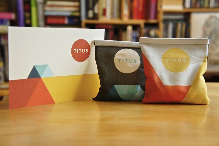 Geboortekaartje en doopsuiker Titus.  © http://senne.me