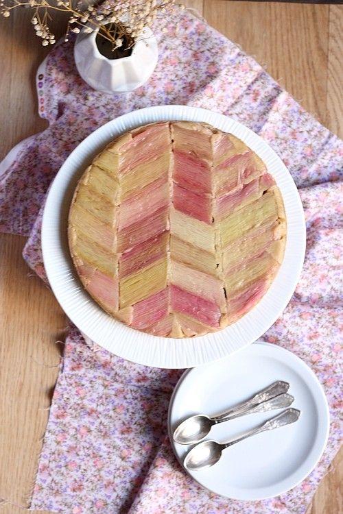 Upsidedown rhubarb cake