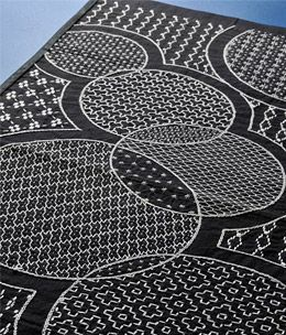 circles--gorgeous sashiko in black and white!: