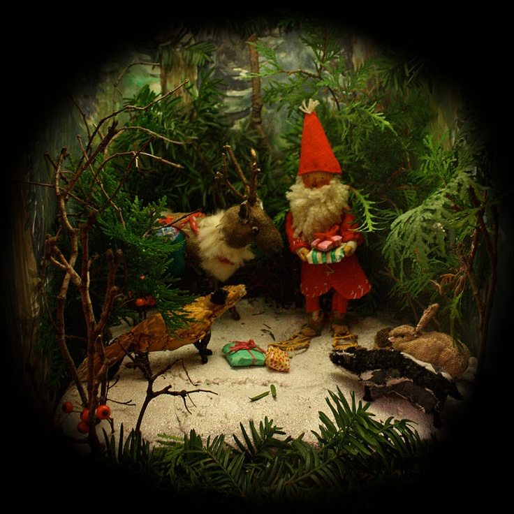 Seasonal diorama, I love that there are gifts for the animals. And the chap in the red hat has a gorgeously woolly looking beard