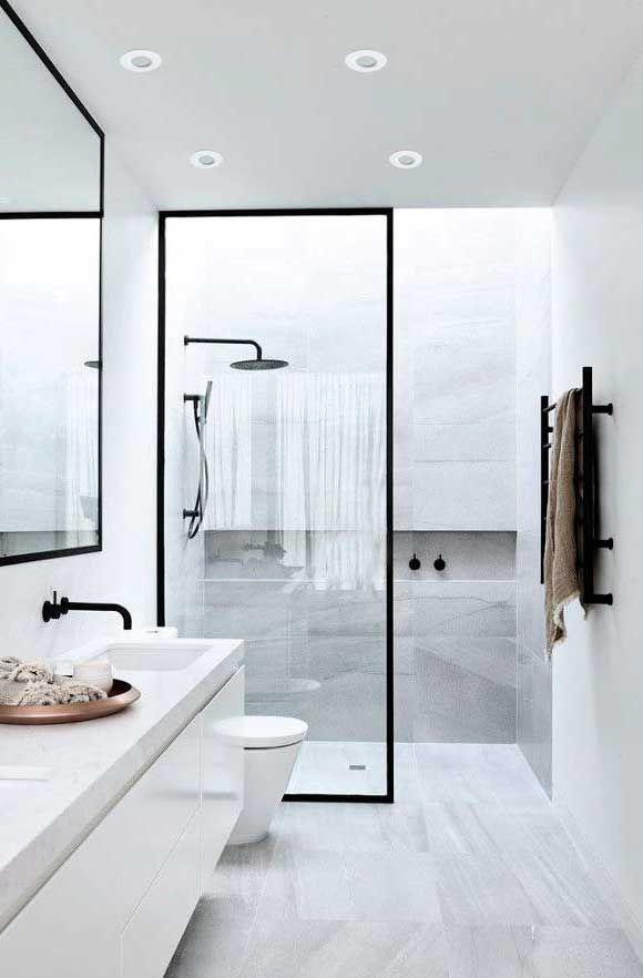 Φωτιστικό σποτ χωνευτό οροφής downlight, στρογγυλό, κατασκευασμένο από αλουμίνιο σε λευκό χρώμα.IP44 ιδανικό για τοποθέτηση στο μπάνιο. Σειρά YAN από την Viokef! -- Recessed spot, round, made of aluminum in white color. IP44 ideal for the bathroom! #spotlight #spot #bathroom #lighting #bathroomdesign #bathroomideas #modernstyle #bathroomlighting #luminaire #viokef