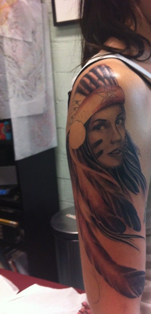 Alexi's indian tattoo is so beautiful..im in love.