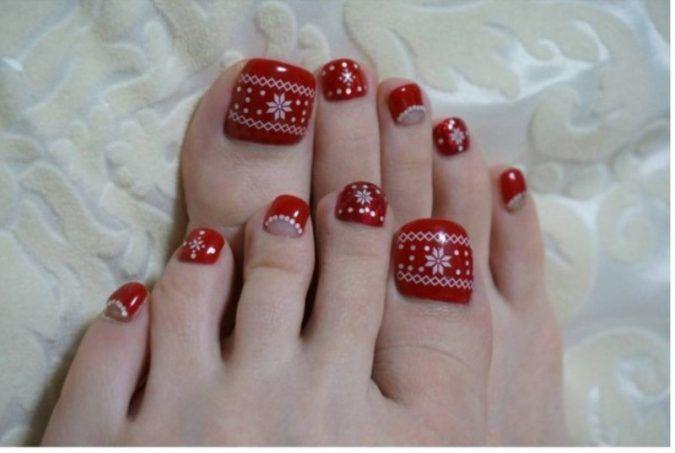 45 Lovely Christmas Toenail Art Design Ideas Pouted Com Christmas Toes Toenail Art Designs Toe Nails