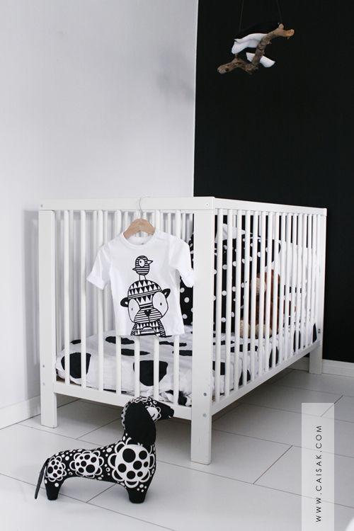 17 beste afbeeldingen over babykamers op pinterest pastel kwekerij natuurlijke kinderkamer en - Zwart meisjes kamer en witte ...