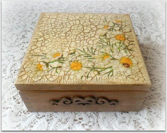 Vintage style wooden keepsake box jewellery by CarmenHandCrafts, €25.00