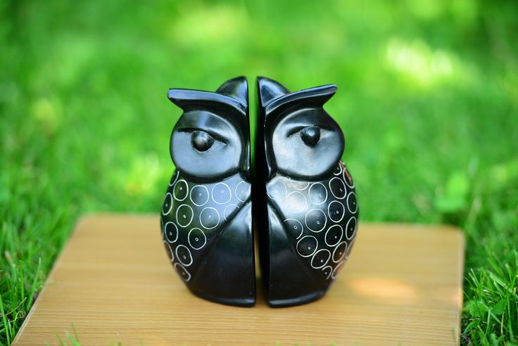 8h' Owl book End   hand crafted soapstone from Africa.