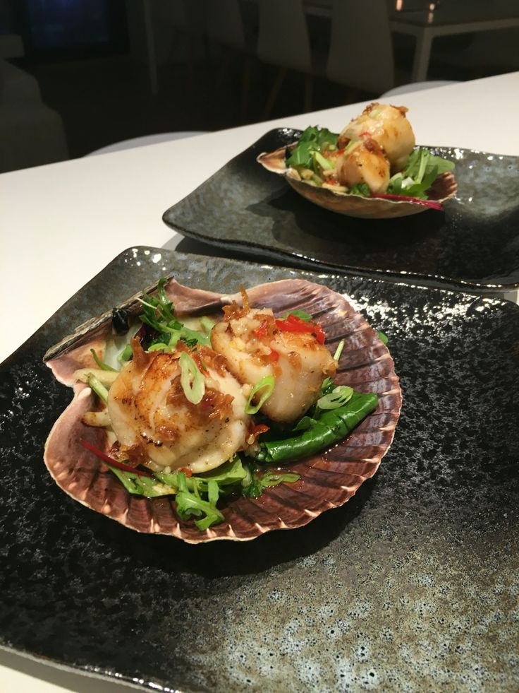 Scallop with applesalad & sweet tamarindsauce