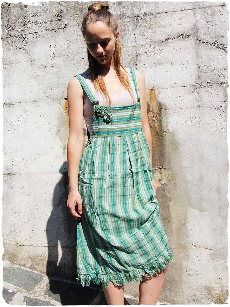 salopette vestito Floriana  #Salopette #Vestito lunghezza media. Modello di #vestito #abito #salopette #etnico comodo e fresco,  perfetto per le calde giornate #estive. Splendidi #fioristoffa sulla pettorina.   #modaetnica #ethnicalfashion #lamamita #moda #fashion #italianfashion #style #italianstyle #fashionblog #fashionblogger #modaitaliana #lamamitafashion #moda2016 #fashion2016 #style #guatemala #guatemalastyle #dress #salopette #dungaree