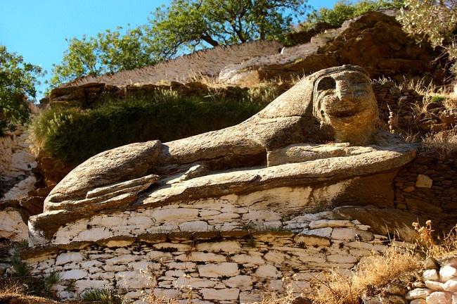 Kea island sculpture