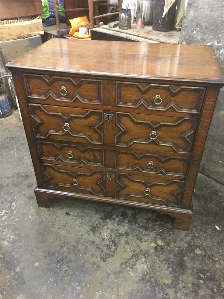 18th century Antique oak country chest of draws
