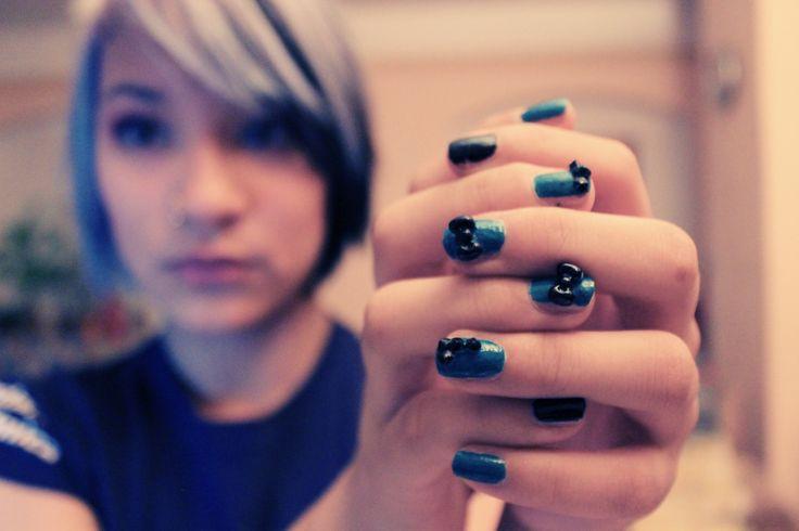 blue 3D nails