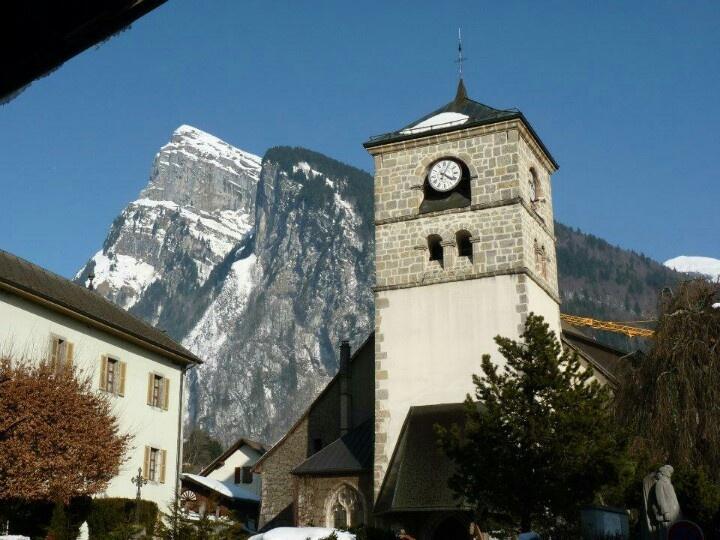 Samoëns France, à découvrir avec les Guides du Patrimoine des Pays de Savoie http://www.gpps.fr/Guides-du-Patrimoine-des-Pays-de-Savoie/Pages/Site/Visites-en-Savoie-Mont-Blanc/Faucigny/Vallee-du-Giffre/Samoens-Bourg-et-villages