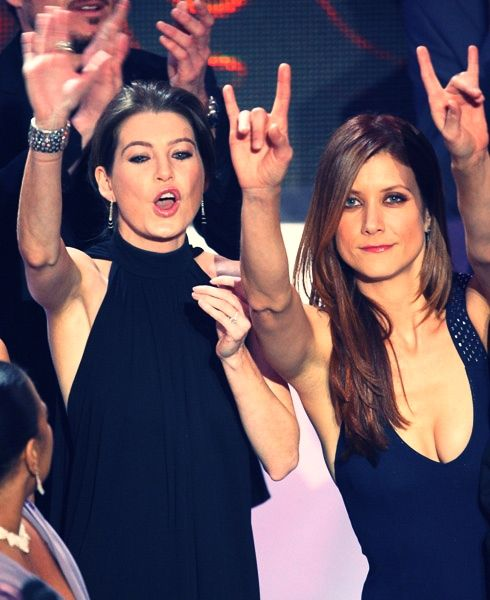 Ellen Pompeo and Kate Walsh-- I'm pretty sure these are our soul sisters, @thehinkydonut