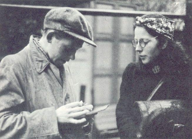 Dutch Resistance fighters Hilda Oversteegen & Hannie Schaft, circa 1943.