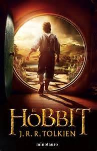 3 - Desde 1937 año de su primera edición, El Hobbit -escrita también por J.R.R.Tolkien- ha vendido más de 100 millones de ejemplares. Fue el inicio de la mitología creada por el autor y que después generaría otras obras como El Señor de los Anillos o El Silmarillion. Desde su publicación El Hobbit sufrió numerosas revisiones con el objetivo de adaptarla a El Señor de los Anillos, reforzando el papel de Gollum y convirtiéndole en un personaje mucho más agresivo que el Gollum de la primera edición